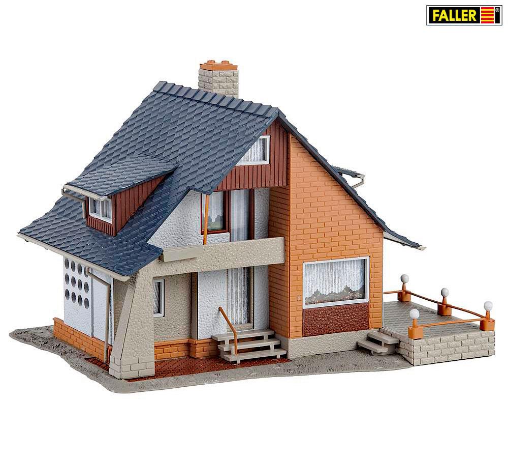 meises modelbahncenter faller 131359 haus mit balkon. Black Bedroom Furniture Sets. Home Design Ideas